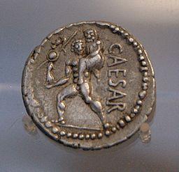 Denarius_Aineias_CAESAR_Staatliche_Münzsammlung
